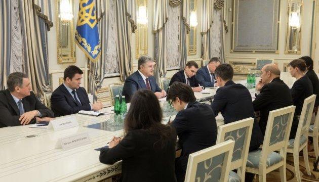 El presidente de Ucrania se reunió con el ministro de Exteriores de Francia