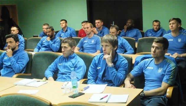 Футбол: Александр Кучер учится на тренера