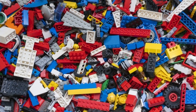 Luhansk region receives LEGO sets for first-grade pupils