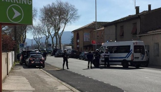 Террорист во Франции огласил требования