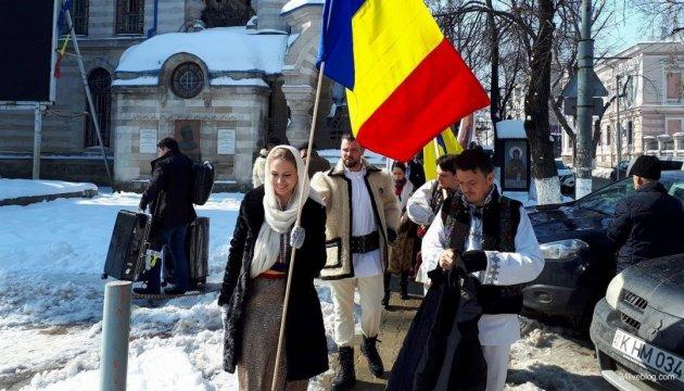 Митинг в Кишиневе: полиция задержала молодых людей с дубинками и кастетами