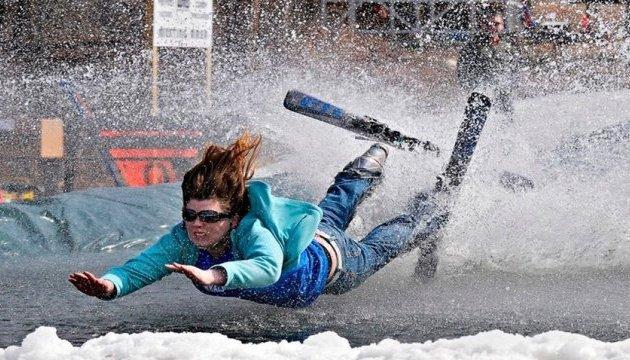 У Бориславі туристи зможуть з'їхати на лижах у басейн