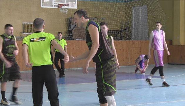 Баскетбол: Андрій Романиця довічно дискваліфікований за бійку з арбітром