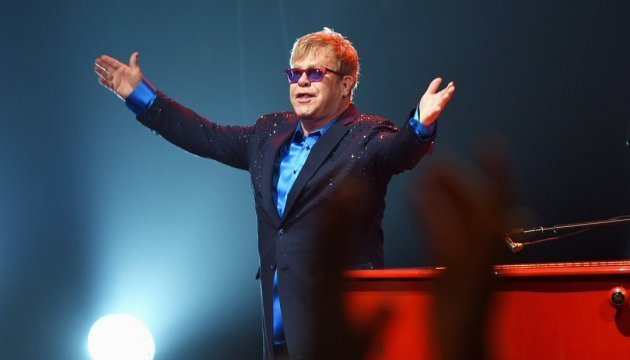 Ukrainian artist creates illustrations for Elton John's album. Video