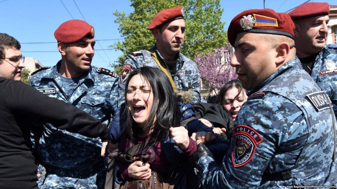 Масові протести у Вірменії // Фото: Настоящее Время
