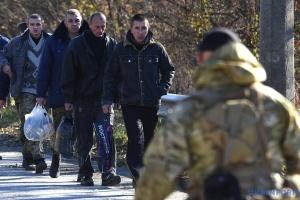 Родственники заложников Кремля обратились к Зеленскому
