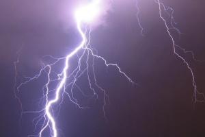 Синоптики попереджають про дощі та грози, рівень небезпеки – жовтий