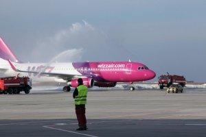 Wizz Air выполнил первые рейсы из Киева в Афины и Салоники