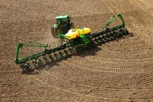 Аграрії вже засіяли ярими культурами понад 7% площ