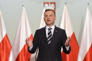 Кандидаты в президенты Польши провели отдельные теледебаты перед выборами
