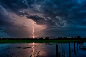 Ураган в Польше оставил без света более 11 тысяч домов