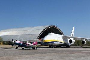 """Літаки держпідприємства """"Антонов"""" зафрахтовані до кінця квітня"""