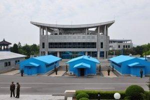 КНДР та Південна Корея відновили пряму телефонну лінію
