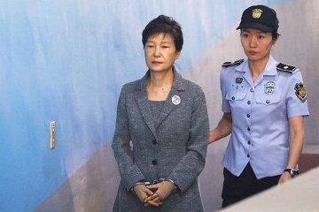 Екс-президент Південної Кореї отримала ще 8 років за втручання у вибори