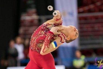Une gymnaste ukrainienne de 15 ans remporte la médaille d'argent à la Coupe du monde