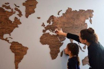 Український стартап дерев яних мап світу зібрав  38 тис на Kickstarter 47926e8183877
