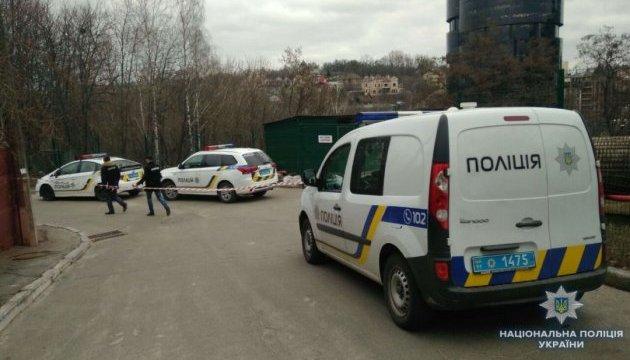 У центрі Києва стріляли й побили іноземця