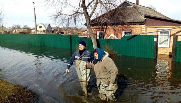 У підтопленій Охтирці вода пішла на спад