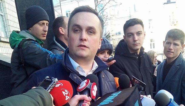 Nazar Kholodnytsky interrogé par un procureur