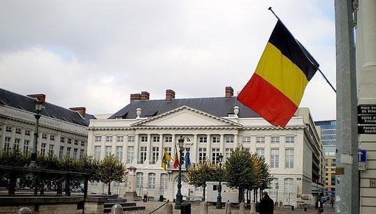 Суд Бельгии приказал королю Альберту II пройти тест на отцовство
