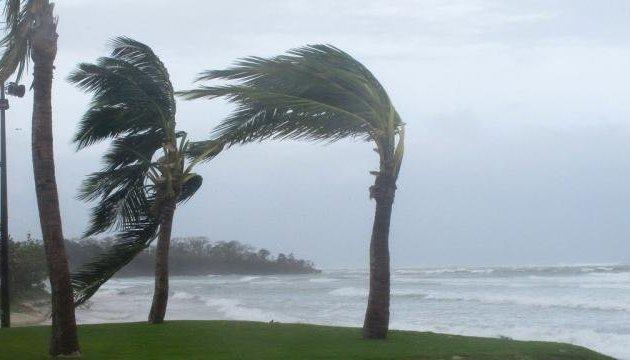 На Фіджі обрушився руйнівний циклон