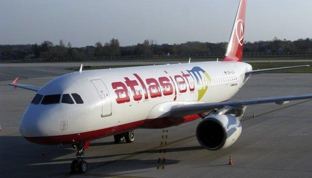 Украинские авиакомпании в ноябре выполнили вовремя почти 85% рейсов
