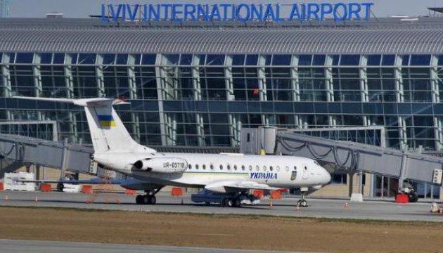 """Через львівський аеропорт у березні  """"пройшли"""" 84 тисячі пасажирів"""