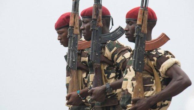 Президент Камеруна призвал сепаратистов сложить оружие