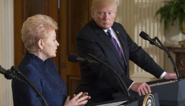 Grybauskaitė discutió con Trump el apoyo a Ucrania