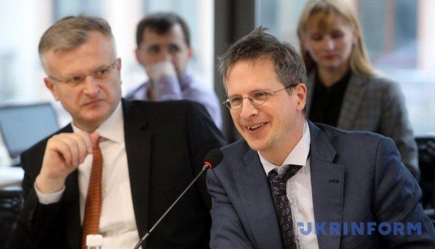 Влада має забезпечити стабільні правила гри для ОТГ - експерт
