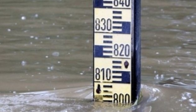 Спасатели предупреждают о подъеме воды и селевых потоках на западе