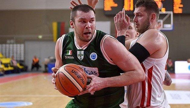 Баскетбол: Фесенко не зіграє за збірну України влітку у відборі ЧС-2019