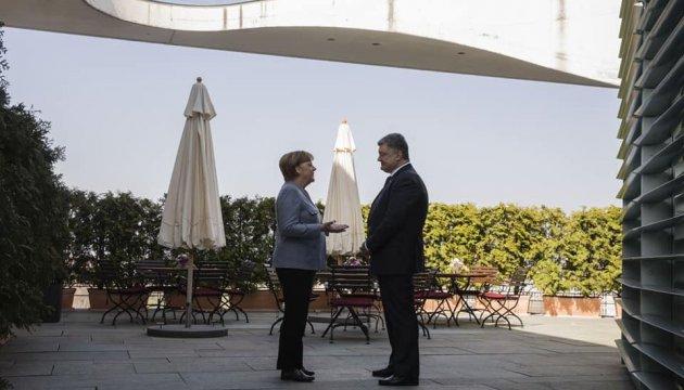 Poroschenko und Merkel treffen sich in Berlin
