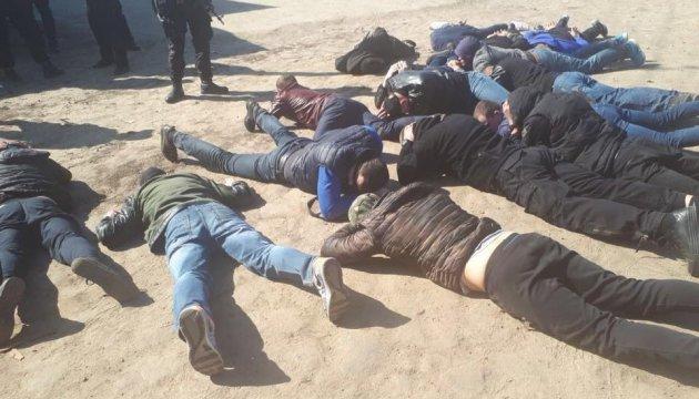 На Черкащині затримали 50 рейдерів при спробі захоплення сільгосппідприємства
