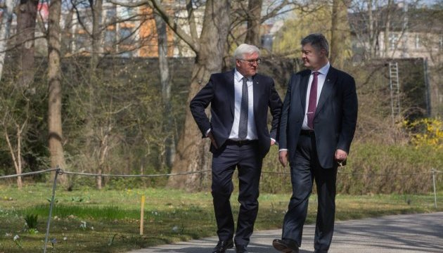 Poroshenko, Steinmeier discuss Donbas, sanctions against Russia