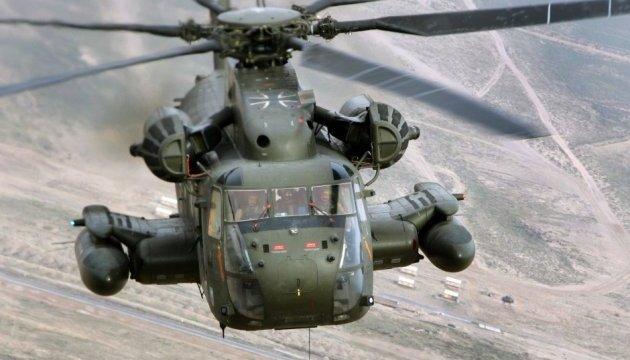 У Німеччині військовий гелікоптер влетів у вежу аеропорту, є загиблий