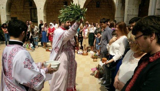 Для українців Лівану провели великодню літургію рідною мовою