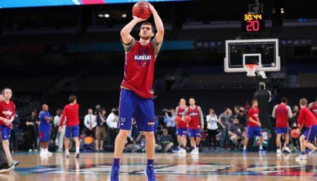 Баскетбол: українець Михайлюк отримав престижну премію в США