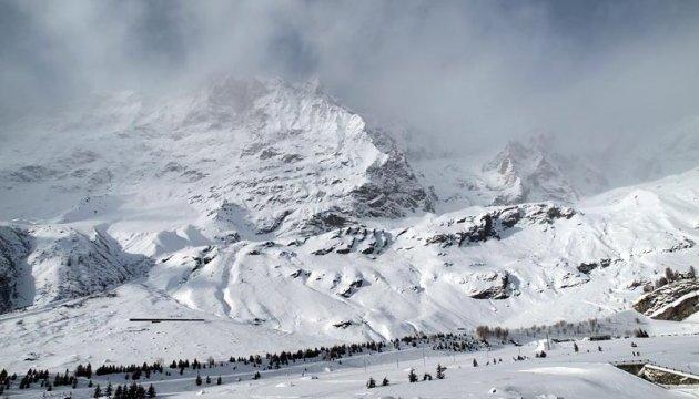 Сильна буря в Альпах знижує шанси знайти німецького мільярдера