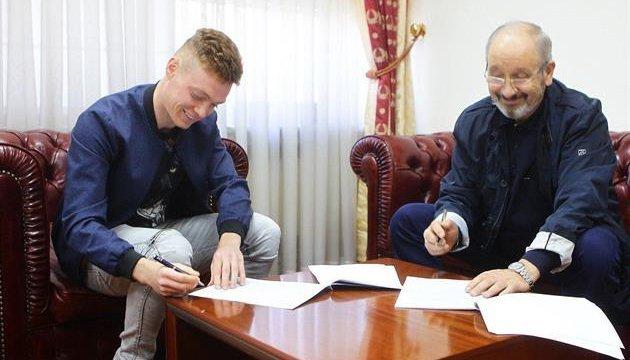 Віктор Циганков подовжив контракт з