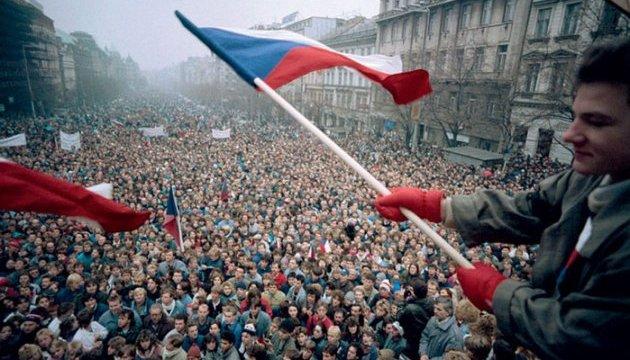 У Празі десятки тисяч чехів вимагають відставки прем'єра