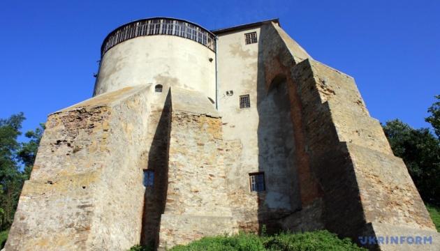 Туристов в замке на Ривненщине будет встречать аудиогид и уникальный острожский напев