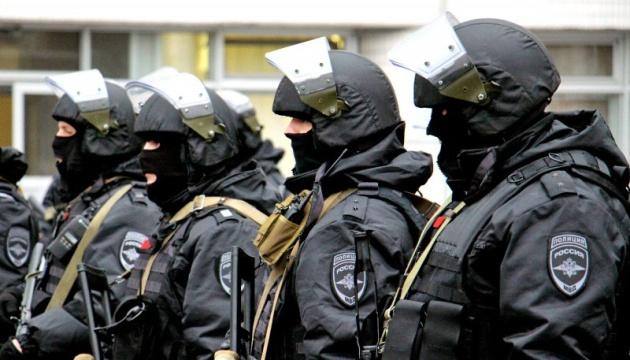 У Росії проходять масові обшуки у співробітників штабів Навального