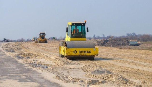В следующем году Кабмин планирует выделить 55 миллиардов на дороги