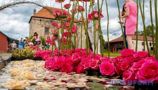 Тысячи цветов украсят замок Сент-Миклош в мае