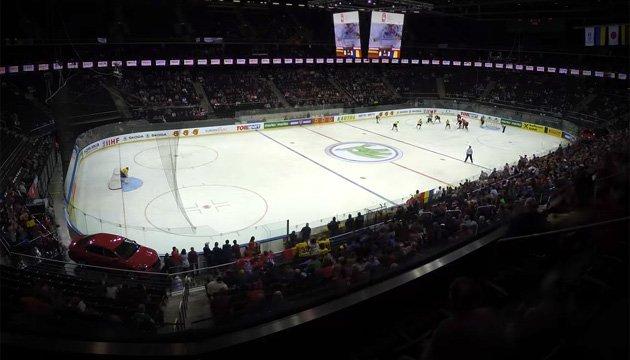 За кілька годин хокейний майданчик у Каунасі перетворився на баскетбольний