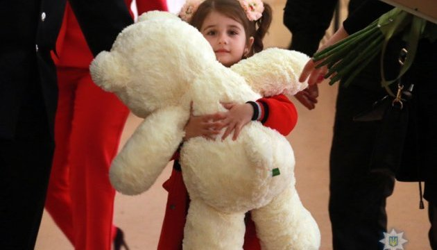 Орден Почесного маріупольчанина отримала маленька донька загиблого бійця