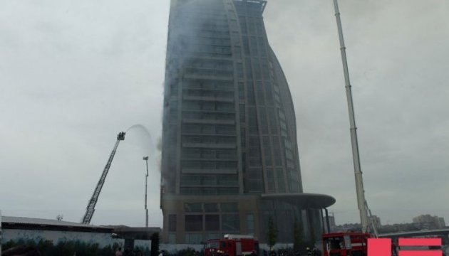 Brand im Trump Tower in Baku – Fotos, Video