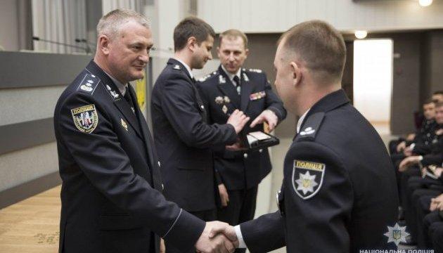 Князев вручил лучшим работникам уголовного розыска отличия МВД