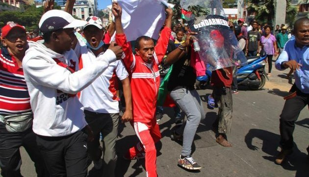 На Мадагаскаре продолжаются протесты: оппозиция требует отставки президента